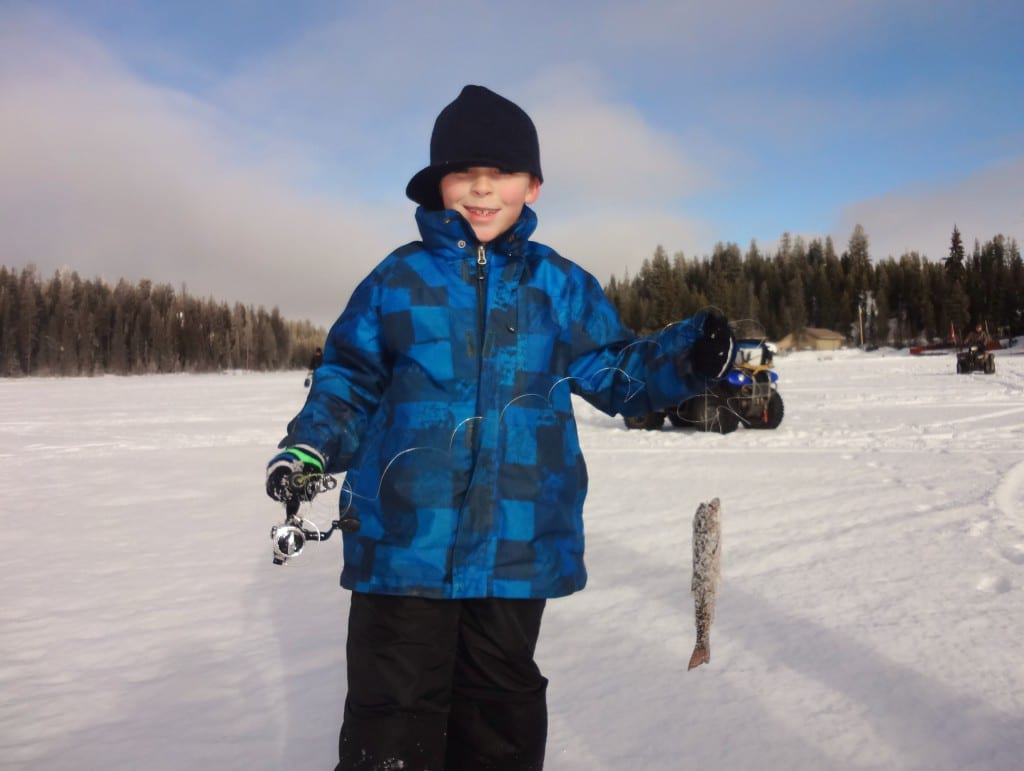 Ice fishing idabel lake kelowna bc for Ice fishing youtube